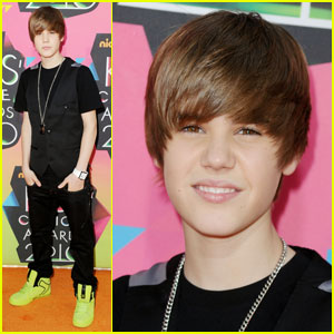 Justin Bieber -- 2010 Kids' Choice Awards Orange Carpet