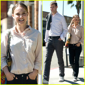 Natalie Portman Hits J's Kitchen