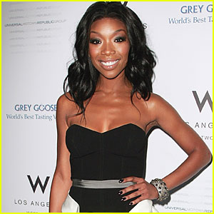 Brandy: Stop the Blog Hate!