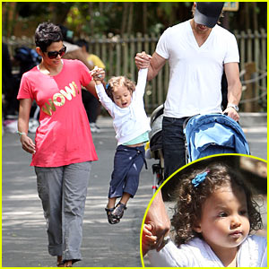 Halle Berry &#038; Gabriel Aubry: Zoo Time with Nahla!