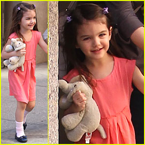 Suri Cruise is Pretty in Pink