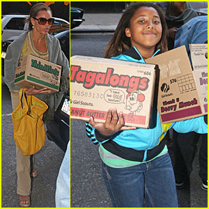 Vanessa Williams is a Thin Mints Mama