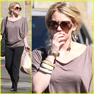 Hilary Duff & Mike Comrie Go Grocery Shop