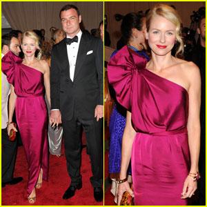 Naomi Watts & Liev Schreiber: MET Ball 2010