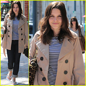 Sophia Bush: Salon &#038; Starbucks!