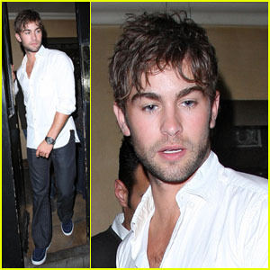 Chace Crawford is a London Lad