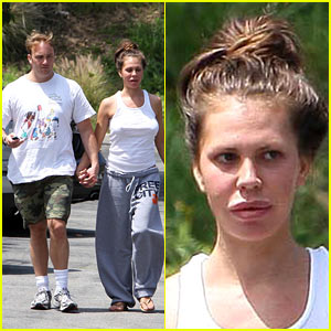Nikki Cox: Pouty Lipped in L.A.