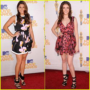 Nikki Reed & Anna Kendrick - MTV Movie Awards 2010 Red Carpet