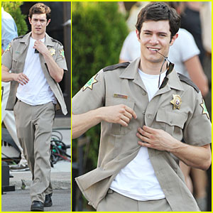 Adam Brody: Detroit Detective in 'Scream 4'!