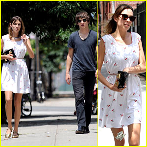 Alexa Chung Drops Cash in Brooklyn