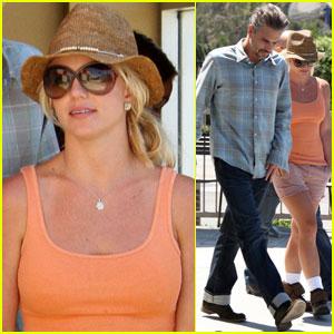 Britney Spears: Starbucks Stop!