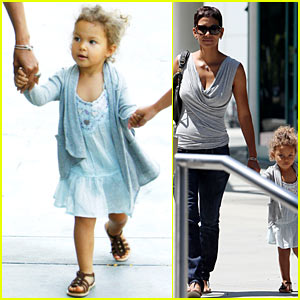 Halle Berry: Circus with Nahla Aubry!