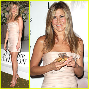 Jennifer Aniston: Debut Fragrance Launch in London!