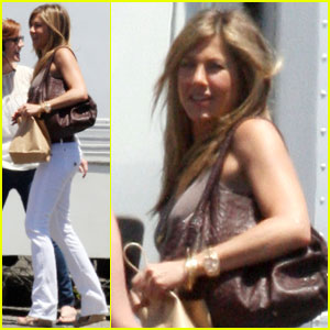 Jennifer Aniston Talks Baby-Making!