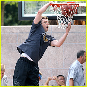Justin Timberlake: Slam Dunk for I'm.mortal?