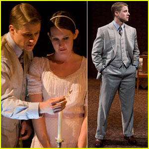 Ben McKenzie in The Glass Menagerie -- FIRST PICS