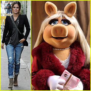 Miss Piggy: Rachel Bilson's Halloween Costume!