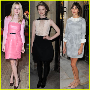 Dakota Fanning: Miu Miu Front Row with Mia Wasikowska!