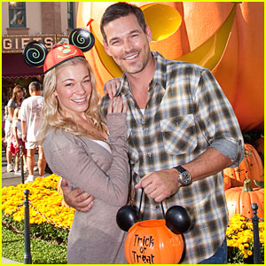 LeAnn Rimes & Eddie Cibrian: Trick or Treat!