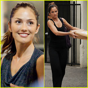 Minka Kelly Has a Dripping Departure