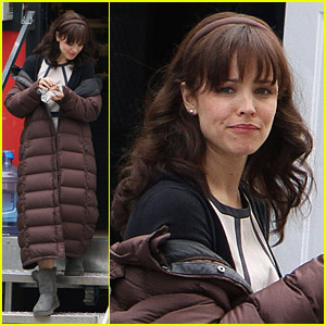 Rachel McAdams Bundles Up