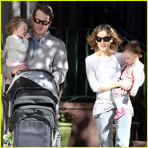 Sarah Jessica Parker &#038; Matthew Broderick: Park Playtime with Twins