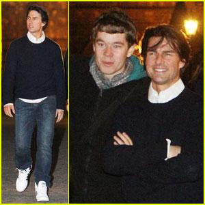 Tom Cruise: Posing in Prague