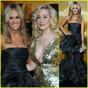 Carrie Underwood & Kellie Pickler: CMA Awards 2010