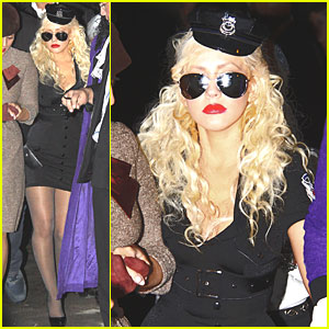 Christina Aguilera: Cop Costume for Halloween!