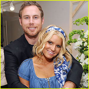 Jessica Simpson: Engaged to Eric Johnson!