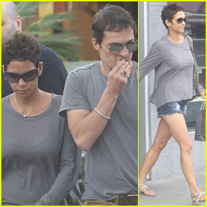 Halle Berry Grabs French Food With Olivier Martinez