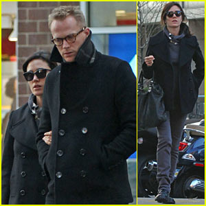 Jennifer Connelly & Paul Bettany: Pea Coat Couple