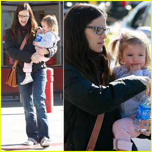Jennifer Garner &#038; Seraphina: Right on Target