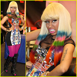 Nicki Minaj: Rainbow Tipped Hair at CD Signing!