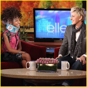 Ellen DeGeneres Gives Willow Smith a Stylish Neck Brace!