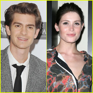 Andrew Garfield & Gemma Arterton: 'Capa' Couple!
