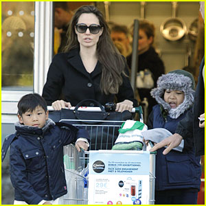 store ord Angelina Jolie bryster