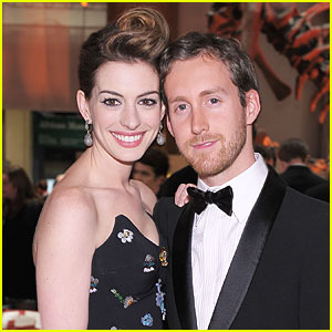 Anne Hathaway &#038; Adam Shulman: Moving in Together?