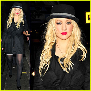 Christina Aguilera: HIX Restaurant Hottie