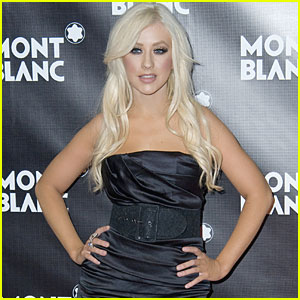 Christina Aguilera: Photos Leaked After Stylist's Account Hacked