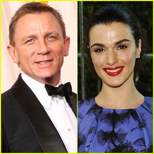 Daniel Craig & Rachel Weisz: Holding Hands!