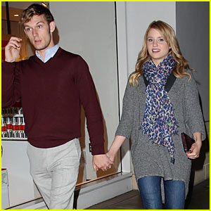 Dianna Agron & Alex Pettyfer: Holding Hands at The Grove!