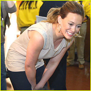 Hilary Duff Brings 'Blessings in a Backpack' to South Central L.A.