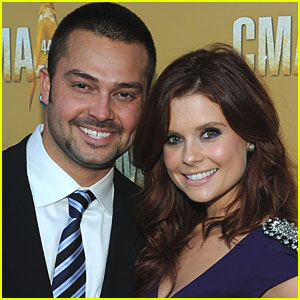 Joanna Garcia & Nick Swisher Tie The Knot