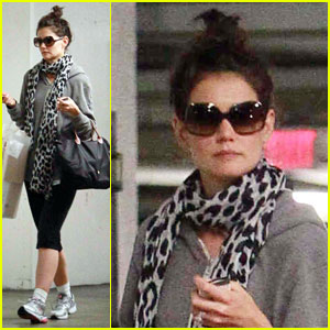 Katie Holmes: Solo Shopping Trip