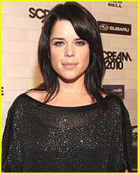 Neve Campbell Files for Divorce