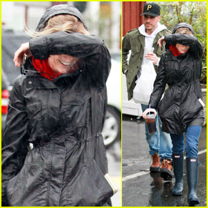 Reese Witherspoon: Peek-a-Boo Playful!