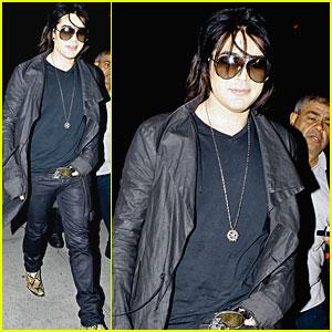 Adam Lambert: Snakeskin Boots at Boa!