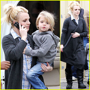 Britney Spears Runs Errands with Jayden James