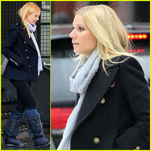 Gwyneth Paltrow Braves the NYC Snow!